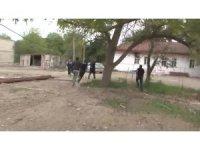 Azerbaycan'da gazetecilerin bulunduğu yerde korku dolu anlar kamerada
