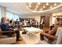 Başkan Hürriyet'ten muhtarlara pastalı kutlama