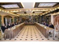 Başkan Çetin'den muhtarlar onuruna yemek