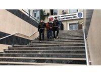 Ümraniye'de motosiklet hırsızlığı kamerada: Saniyeler içinde çalıp kaçtı