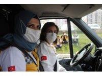 Kadın ambulans şoför adaylarına zorlu eğitim
