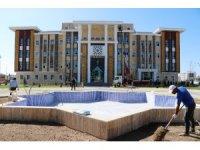 Tuşba Belediyesinin hizmet binası basına tanıtıldı