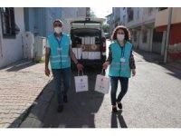 Sultanbeyli'de ihtiyaç sahibi bin haneye temizlik seti dağıtılıyor