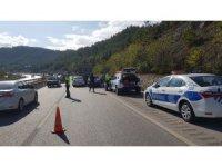 Karabük'te 5 araçlı zincirleme kaza: 2 yaralı