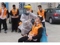 Denizli'de sporcu eğitim merkezinde 17 öğrenci korona virüs testinden geçti