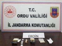 Ordu'da eroin türevi taşıyan bir kişi yakalandı
