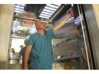 Asansörlerde otomatik dezenfektan sistemi