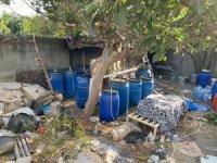 İskenderun'da 3 bin 230 litre el yapımı içki ele geçirildi