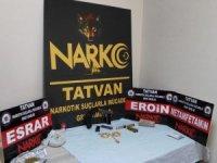 Bitlis'te uyuşturucu ve silah ele geçirildi