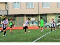 Tarsus'ta Cumhuriyet Kupası Minikler Futbol Turnuvası heyecanı