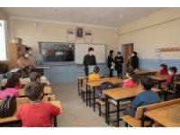 İpekyolu Belediyesinden öğretmen ve öğrencilere korona virüs eğitimi