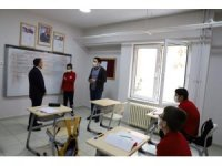 Vali Atay özel öğrencileri ziyaret etti