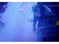 İstanbul'da güpegündüz etek hırsızlığı kamerada