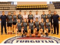 Turgutlu Belediye Kadın Basketbol Takımı parkeye indi
