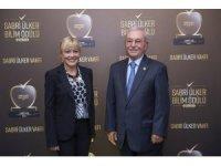 Sabri Ülker Bilim Ödülü, Türk bilim insanı Doç. Dr. Elçin Ünal'a verildi