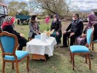 Vali Öner'in eşinden Şehit Ailelerine ziyaret