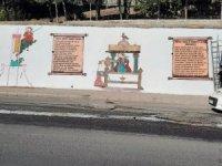 Sur'da trafo binaları ve duvarlar tarihi motiflerle süslendi