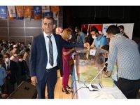 Birecik'te Ak Parti'de Aktar güven tazeledi