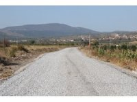 Kırkağaç'ta 60 kilometrelik yol ağına asfalt