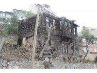 Hulusi Kentmen'in evi İzmit'e kazandırılıyor