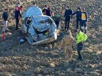 Ağrı'da otomobil şarampole yuvarlandı: 1 ölü, 1 yaralı