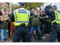 Londra'da binlerce kişi korona virüs kısıtlamalarını protesto etti