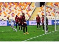 Süper Lig: Yeni Malatyaspor: 1 - Gençlerbirliği: 1 (İlk Yarı)