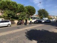 Ticari araç ve motosiklet çarpıştı: 1 yaralı