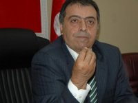 Geçirdiği beyin kanaması nedeniyle kaldırıldığı hastanede tedavi gören eski Sağlık Bakanlarından Osman Durmuş, 73 yaşında hayatını kaybetti.
