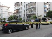 İzmir'deki silahlı saldırıda ağır yaralanan kadın, 55 günlük yaşam mücadelesini kaybetti