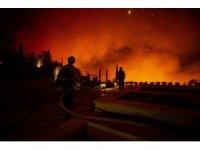 California'da yangınlar nedeniyle 100 bin kişiye tahliye emri