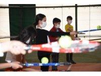 Diyarbakır'da Bilgi Evi öğrencilerine tenis kursu