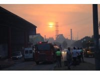 Hatay'da yerleşim yerlerine de ulaşan orman yangınına müdahale sürüyor