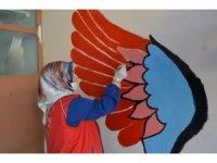 Bitlis'te gönülden dokunuşlarla okullar artık rengarenk