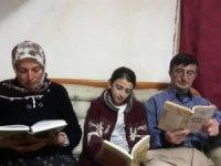 """Köy okulu öğrencilerinden """"Ailem ile kitap okuyorum"""" projesi"""