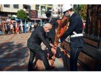 Nazilli'de Cumhuriyet coşkusu çelenk sunma töreni ile başladı