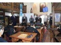 KİHMED, 70 öğrenciyi sınava hazırlıyor