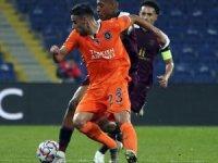 UEFA Şampiyonlar Ligi: M. Başakşehir: 0 - Paris Saint-Germain: 0 (İlk yarı)