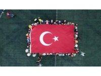Cumhuriyet Bayramı'nda dev Türk bayrağı açtılar
