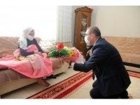 Vali Polat'tan Cumhuriyet çınarlarına ziyaret