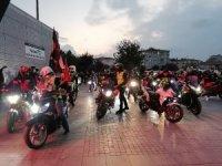 Motosiklet tutkunlarından Cumhuriyet Bayramı korteji