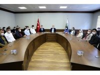 AK gençlikten belediyenin kampanyasına tablet desteği