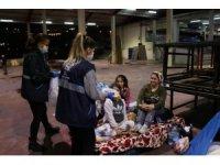Aydın Büyükşehir ekipleri depremzedelerin yardımına koştu