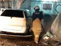 Burhaniye'de park halindeki otomobil yandı