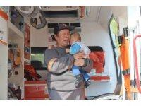 Yanan araç içinde bebeğinin de olduğunu öğrendi, sinir krizi geçirdi