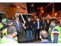 Akhisar Belediyesi, İzmir'deki depremzedelerin yanında