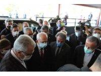 CHP lideri Kılıçdaroğlu'ndan tedavileri süren depremzedelere geçmiş olsun ziyareti