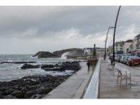 Kuzey İrlanda'da fırtına ve kasırga uyarısı
