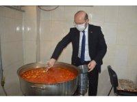 Niksar Belediyesi Aşevi her gün 450 kişiye sıcak yemek sağlıyor