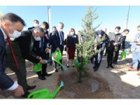 30 bin öğretmen için 30 bin fidanı toprakla buluşturdu